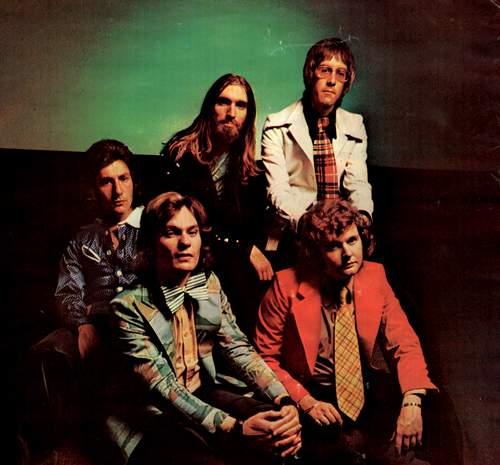 "STRAWBS, the ""Hero And Heroine"" line-up, 1973: Chas Cronk, Dave Lambert, Rod Coombes, David Cousins, John Hawken"
